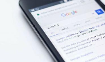 Tot ce trebuie sa stii despre Google Discover: ce este, cum functioneaza si cum sa te faci vizibil